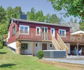 Villa Edvinsväg 8